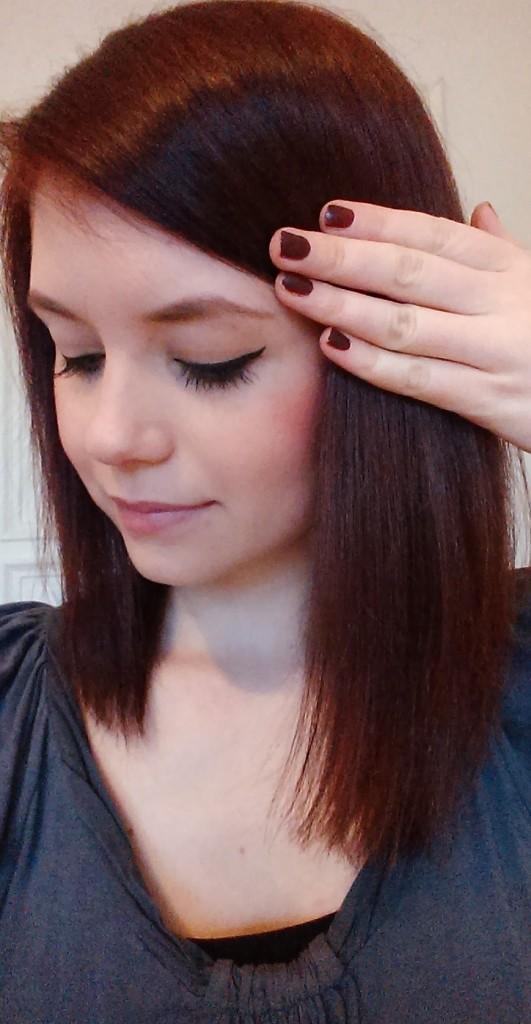Freude über die gelungene Nagellack-Haar-Kombi #girliegirl