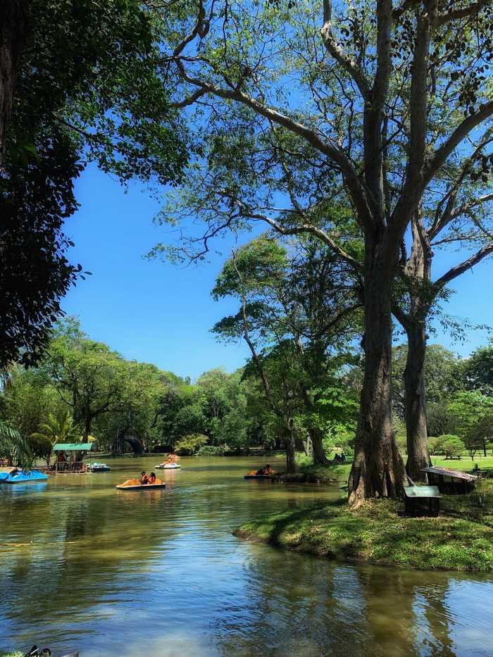 Viharamahadevi-Park-Colombo-Sri-Lanka