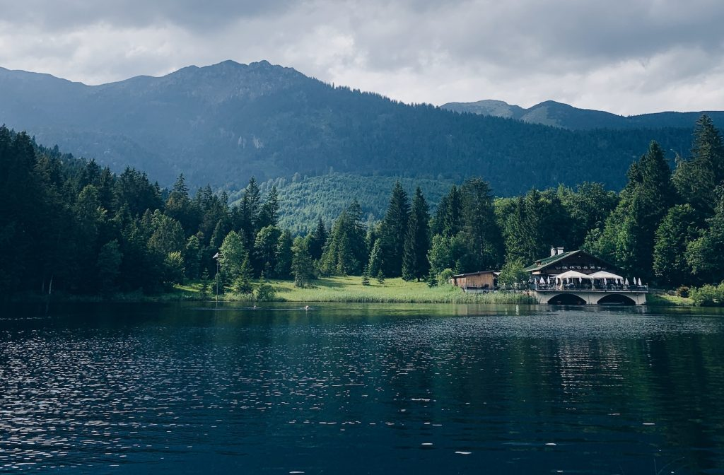 Garmisch-Partenkirchen Pflegersee Idyllle