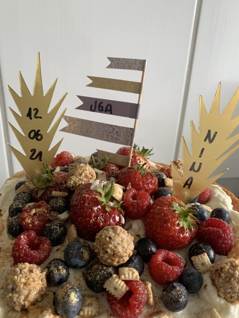 JGA selbstgemachte Obst-Torte